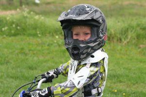 choix casque moto enfant