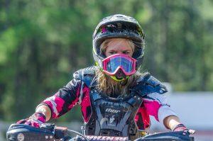 femme débuter moto